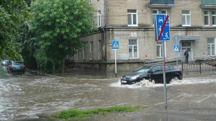 От властей Казани потребовали избавиться от потопов после ливней. В этот раз прокуратура.